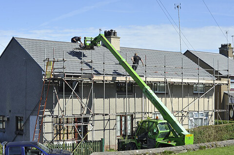 Roofing_Workers